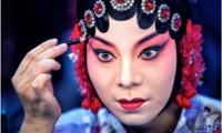 Maquillage-(c)-Alain Deflesselles-1-imageune